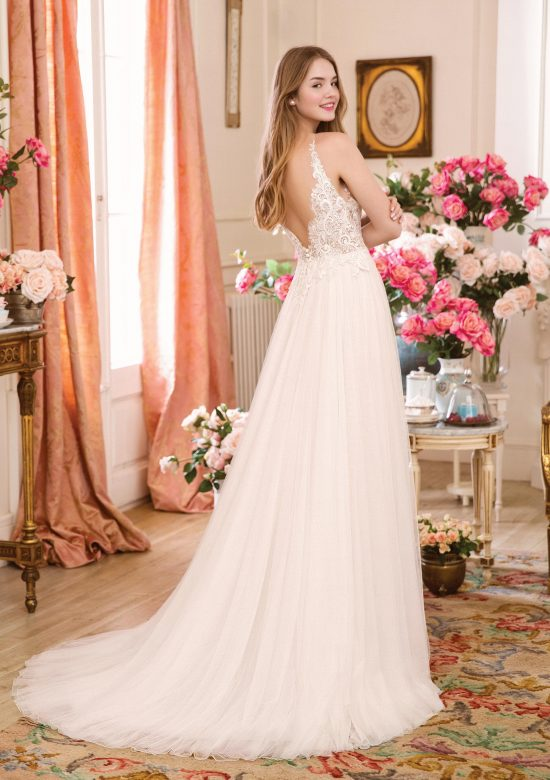 Eva_A_Line_Wedding_Dress